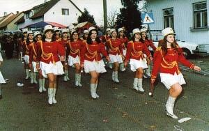 Polovicom '90-ih, orkestar i mažoretkinje