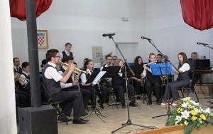 Nastup na pozornici Doma kulture u Lukovdolu